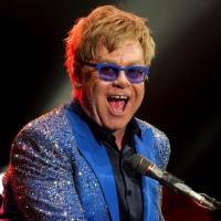 Dolce & Gabanna tienen razón, Elton John patina